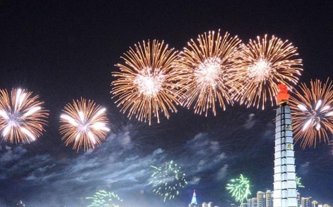 Ảnh: Triều Tiên bắn pháo hoa hoành tráng, đẹp mắt chào mừng Đại hội Đảng