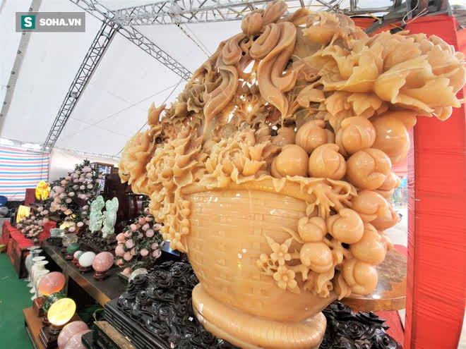 Choáng ngợp bộ bàn ghế ngọc Hoàng Long bán rẻ, giá gần tỷ đồng ở Hà Nội - Ảnh 8.