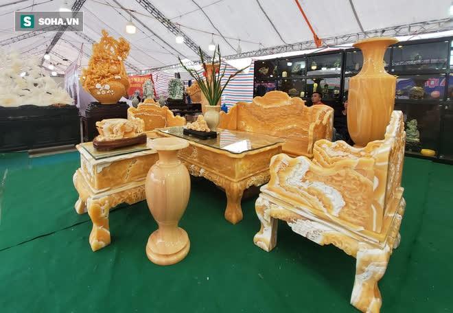 Choáng ngợp bộ bàn ghế ngọc Hoàng Long bán rẻ, giá gần tỷ đồng ở Hà Nội - Ảnh 6.