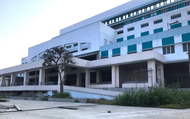 Dự án bệnh viện nghìn tỷ lớn nhất Bắc Trung Bộ chậm tiến độ nhiều năm, bị cưỡng chế vì nợ thuế - Ảnh 2.
