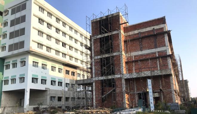 Dự án bệnh viện nghìn tỷ lớn nhất Bắc Trung Bộ chậm tiến độ nhiều năm, bị cưỡng chế vì nợ thuế - Ảnh 3.