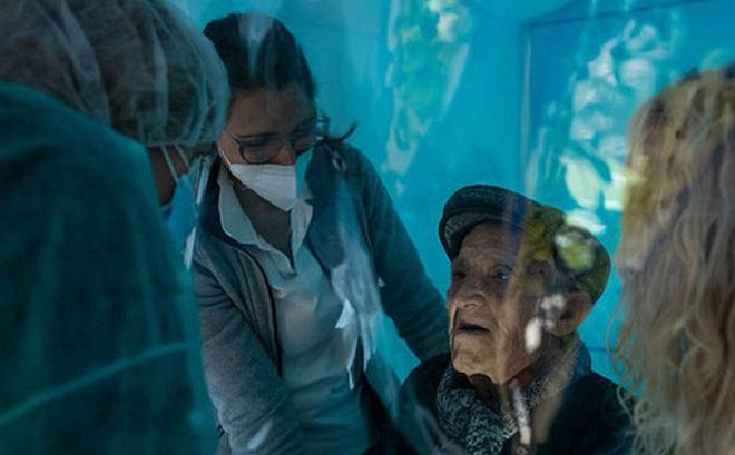 """""""Căn phòng ôm ấp"""" tại các viện dưỡng lão Italy"""