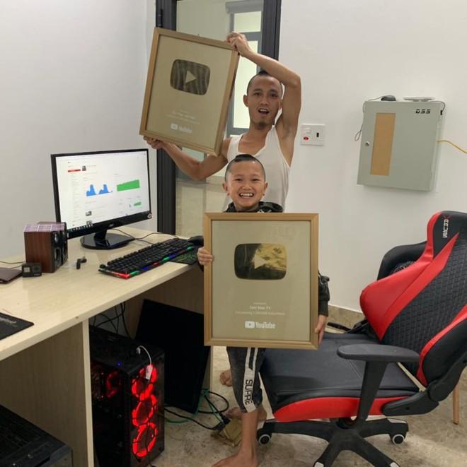 Cuộc sống giàu có với cơ ngơi tiền tỷ của anh em Tam Mao sau gần 3 năm làm Youtuber - Ảnh 2.