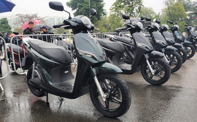 Chi tiết xe máy VinFast Feliz mở màn 2021 khiến Honda Vison, Yamaha Janus phải dè chừng - Ảnh 10.