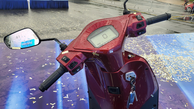 Chi tiết xe máy VinFast Feliz mở màn 2021 khiến Honda Vison, Yamaha Janus phải dè chừng - Ảnh 8.