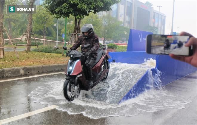 Ảnh hot xe máy điện Vinfast Theon: cùng kích cỡ Honda SH, tốc độ tối đa 90km/h - Ảnh 11.