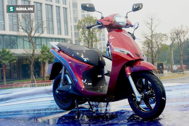 Chi tiết xe máy VinFast Feliz mở màn 2021 khiến Honda Vison, Yamaha Janus phải dè chừng - Ảnh 1.