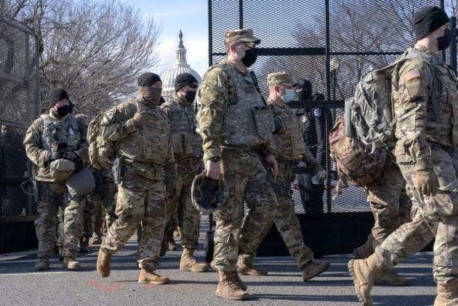 Mỹ: Hàng chục ngàn Vệ binh Quốc gia không ngừng đổ về Washington - ảnh 3