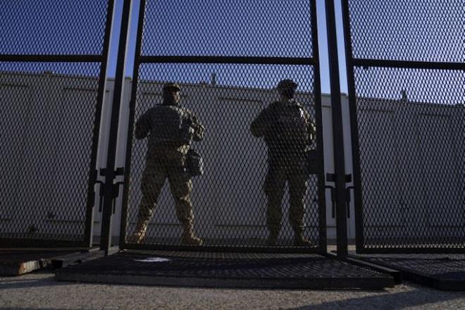Mỹ: Hàng chục ngàn Vệ binh Quốc gia không ngừng đổ về Washington - Ảnh 4.