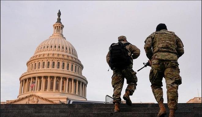Mỹ: Hàng chục ngàn Vệ binh Quốc gia không ngừng đổ về Washington - Ảnh 6.