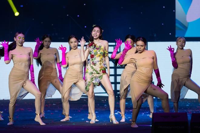 Noo Phước Thịnh, Thủy Tiên, Đức Phúc làm bùng nổ sân khấu lễ trao giải âm nhạc - Ảnh 14.