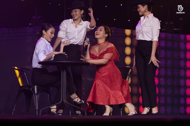Noo Phước Thịnh, Thủy Tiên, Đức Phúc làm bùng nổ sân khấu lễ trao giải âm nhạc - Ảnh 9.