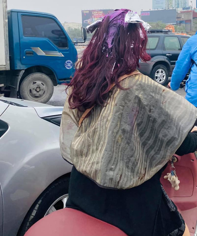 Có mái tóc chất chơi khiến cả phố ngoái nhìn, người phụ nữ bất ngờ bị phê bình vì lỗi sai cơ bản - Ảnh 2.
