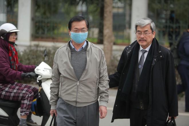 Xét xử cựu Bộ trưởng Công thương và đồng phạm: Một số người vẫn vắng mặt không có lý do, tiếp tục hoãn tòa - Ảnh 6.