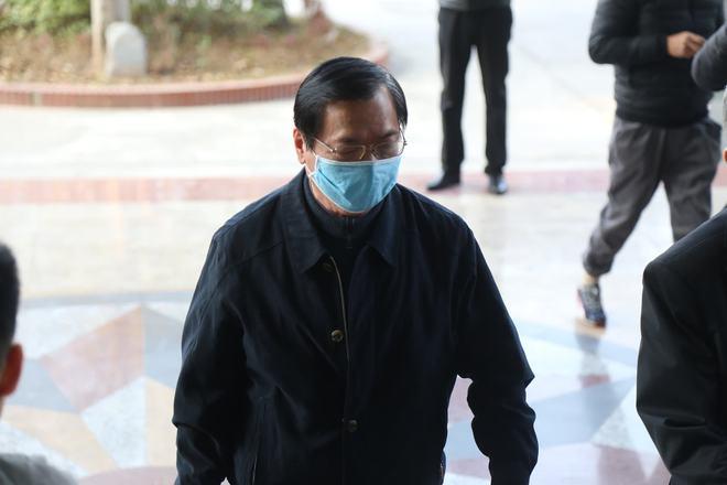 Xét xử cựu Bộ trưởng Công thương và đồng phạm: Một số người vẫn vắng mặt không có lý do, tiếp tục hoãn tòa - Ảnh 2.