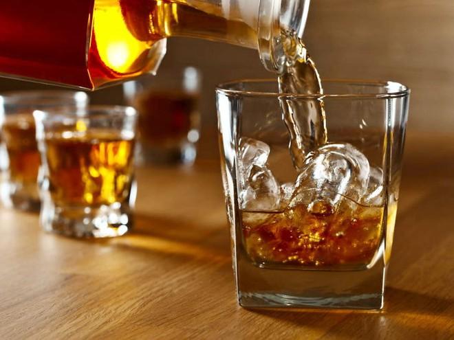 Uống một chút rượu tốt cho sức khỏe - Không chỉ bạn, mà các nhà khoa học đã bị lừa! - Ảnh 1.