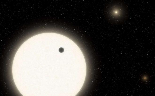 NASA bất ngờ tìm thấy hành tinh lạ với 3 mặt trời