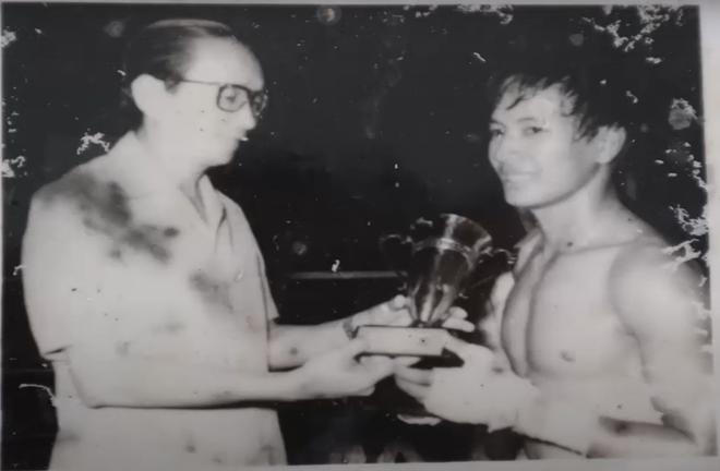 Dụng Phượng dực bạt phong, võ sĩ Việt hạ đo ván môn đồ Lý Tiểu Long bằng đòn chỏ xé gió - Ảnh 3.