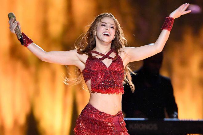 Shakira 43 tuổi vẫn nhảy cực sung, thân hình nóng rực: Chế độ ăn thế này bảo sao! - Ảnh 1.
