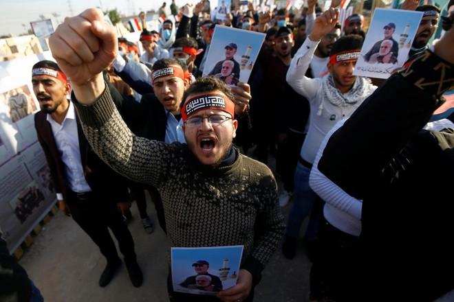 """Iran báo động toàn bộ lực lượng hải quân ở vùng Vịnh, đòi Mỹ trả nợ máu"""": Ngòi nổ chiến tranh đã điểm! - Ảnh 1."""