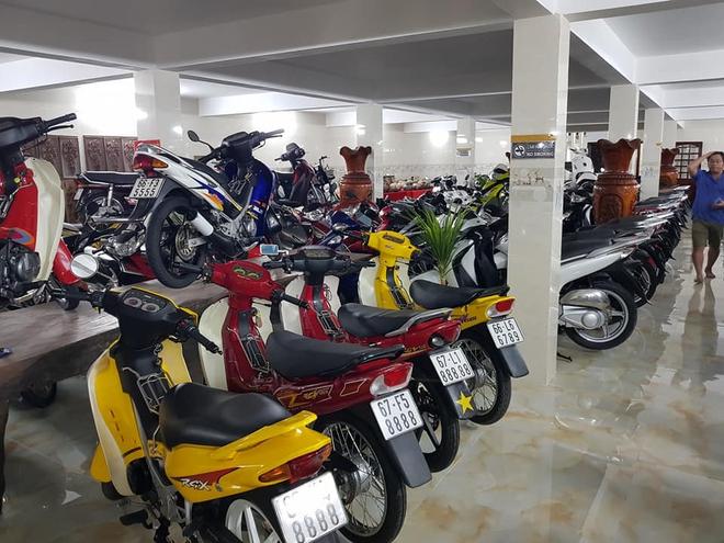 Chóng mặt với dàn xe máy 500 chiếc biển đẹp khủng nhất Việt Nam, trị giá trăm tỷ đồng? - Ảnh 8.