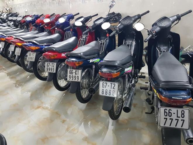 Chóng mặt với dàn xe máy 500 chiếc biển đẹp khủng nhất Việt Nam, trị giá trăm tỷ đồng? - Ảnh 10.