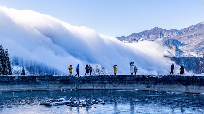 24h qua ảnh: Ông Putin tắm trong nước đá giữa trời lạnh -20 độ C - Ảnh 8.