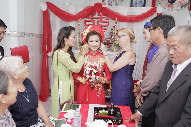 Kết hôn với chàng trai người Anh sau 14 ngày gặp mặt, cuộc sống của cô gái Việt ở trời Tây khiến tất cả bất ngờ - Ảnh 4.