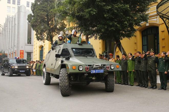 Hà Nội triển khai xe chống đạn và dàn mô tô đặc chủng bảo đảm an ninh, trật tự Đại hội XIII của Đảng - Ảnh 6.