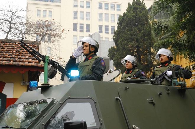 Hà Nội triển khai xe chống đạn và dàn mô tô đặc chủng bảo đảm an ninh, trật tự Đại hội XIII của Đảng - Ảnh 7.
