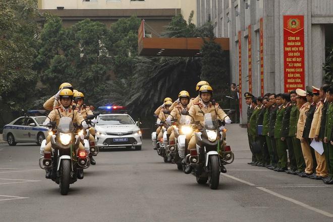 Hà Nội triển khai xe chống đạn và dàn mô tô đặc chủng bảo đảm an ninh, trật tự Đại hội XIII của Đảng - Ảnh 8.