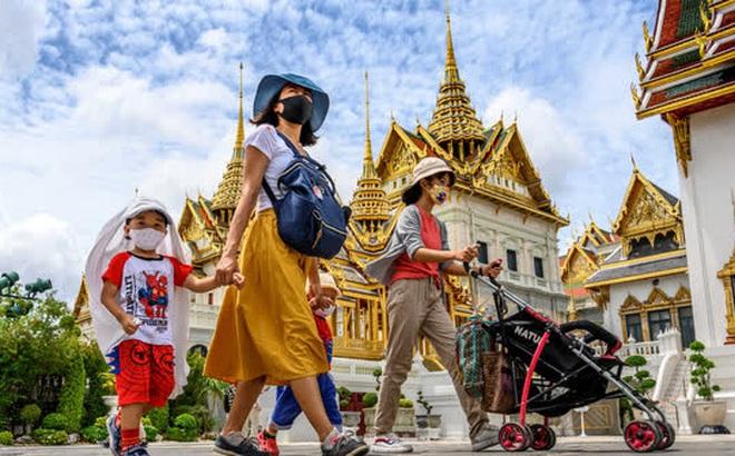 Hứng đợt dịch mới, Thái Lan phát 7 tỷ USD tiền mặt cho dân