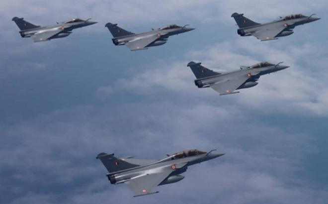 """Ấn Độ - Pháp tham gia tập trận """"độc nhất vô nhị"""" trên không"""
