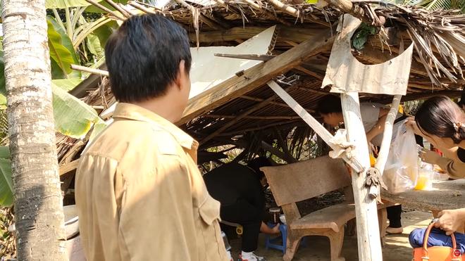 Phim trường gặp sự cố, Hồ Bích Trâm tố nghệ sĩ Tấn Hoàng chỉ lo quay Youtube câu view - Ảnh 1.