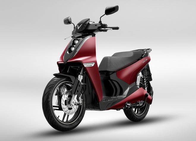 Xe máy điện của VinFast chính thức chốt giá, rẻ hơn Honda SH, kèm ưu đãi khủng - Ảnh 1.