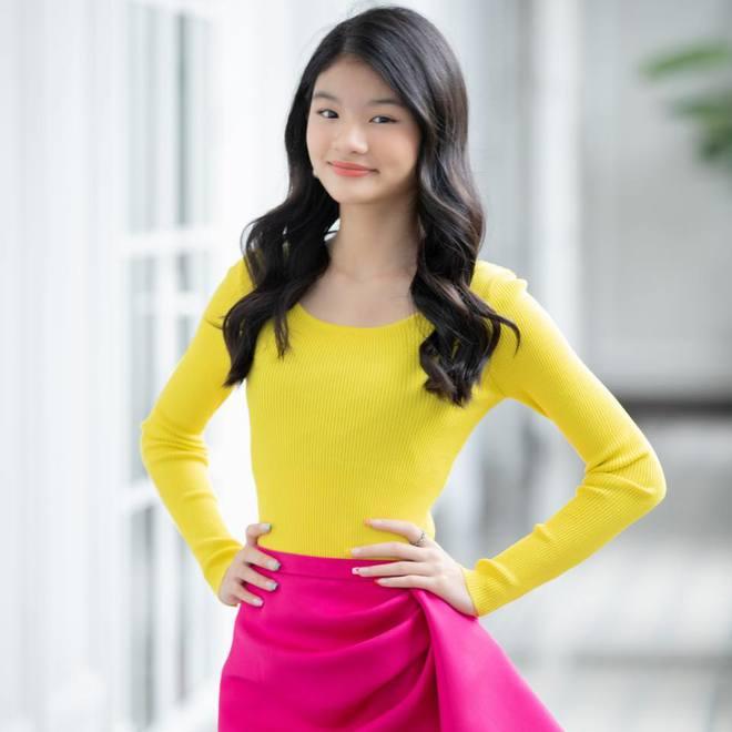 Nhan sắc con gái xinh đẹp, 13 tuổi đã được dự đoán là hoa hậu tương lai của Trương Ngọc Ánh - Trần Bảo Sơn - Ảnh 7.