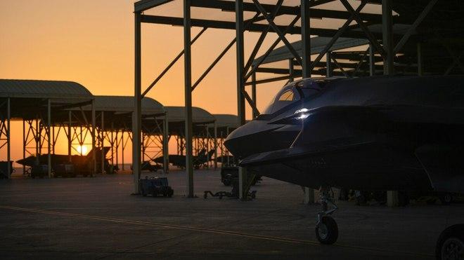 Ông Trump tung cú đánh cuối cùng vào TT Biden: 50 máy bay chiến đấu F-35 sẽ bay tới UAE! - Ảnh 1.
