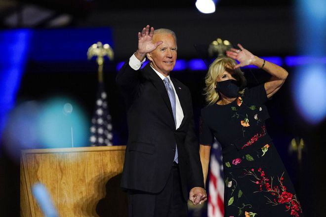 Phong cách thời trang tinh tế của Đệ nhất phu nhân Mỹ Jill Biden truyền tải thông điệp gì? - Ảnh 2.