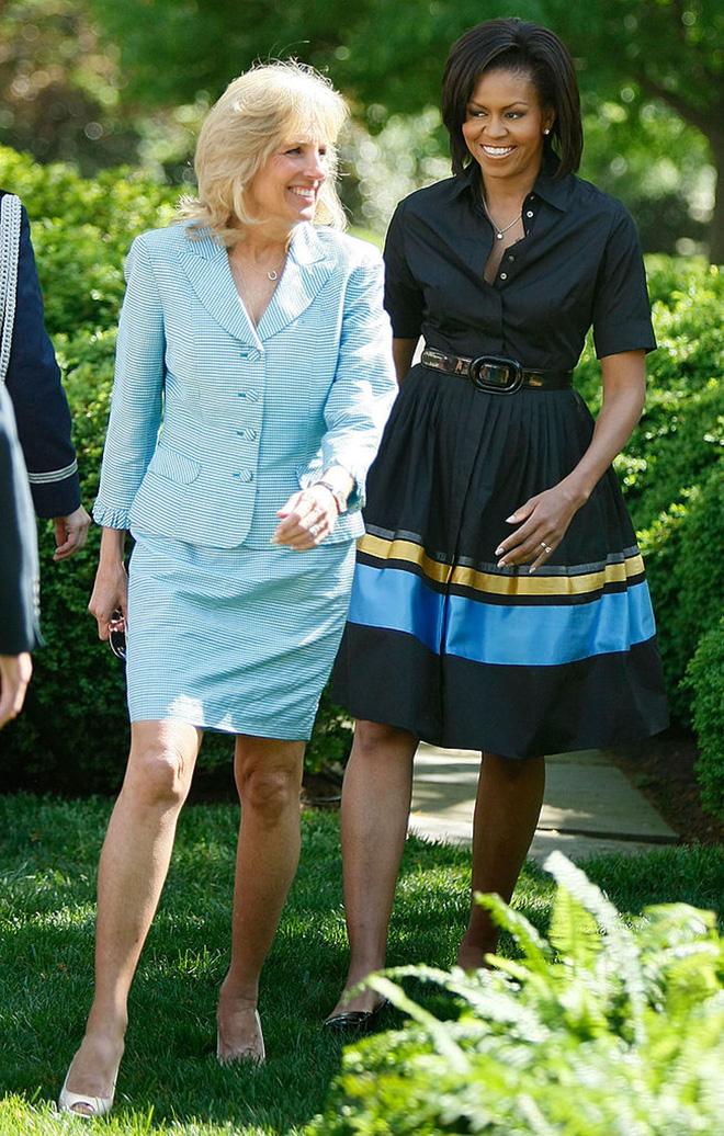 Phong cách thời trang tinh tế của Đệ nhất phu nhân Mỹ Jill Biden truyền tải thông điệp gì? - Ảnh 3.
