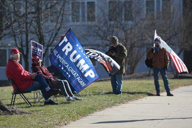 Người ủng hộ ông Trump dọa làm loạn lễ nhậm chức, vì sao đến ngày lại mất hút? - Ảnh 2.