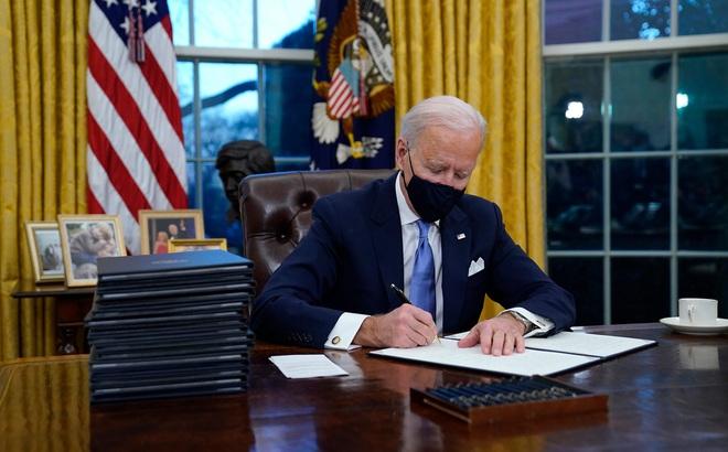 Ông Biden ký 15 lệnh hành pháp, đưa Mỹ trở lại Hiệp định Paris và WHO, hủy bỏ nhiều chính sách của ông Trump