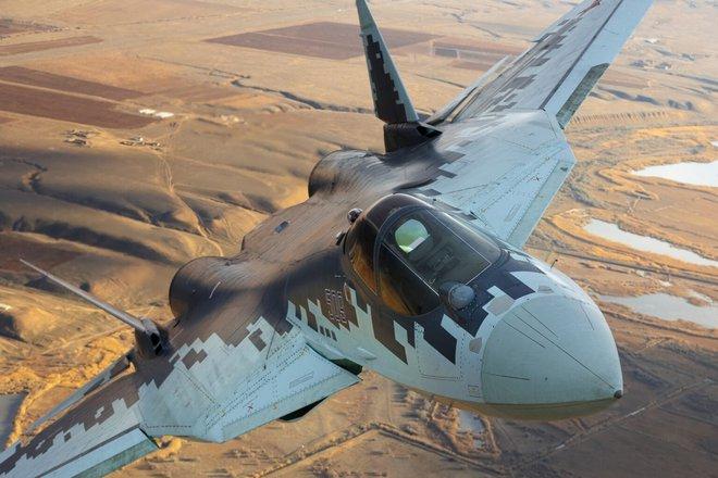 Tướng Iran: Tiêu diệt B-52 Mỹ dễ hơn cả UAV - Phi công Nga tuyên bố Su-57 có thể bắn tan xác F-35 - Ảnh 1.