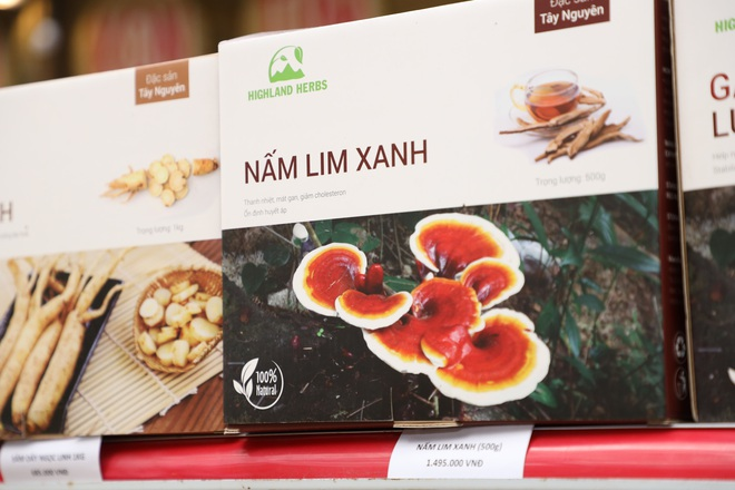 Bánh chưng, gà nướng Gia Lai hút người Sài Gòn ngày cận Tết - Ảnh 8.