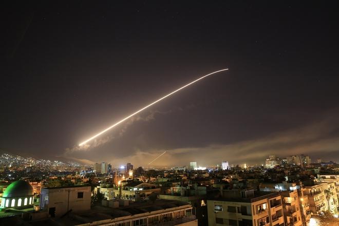"""Syria tuyên bố bẻ gãy đòn """"tấn công xâm lược"""" của Israel ở Hama - Ảnh 1."""