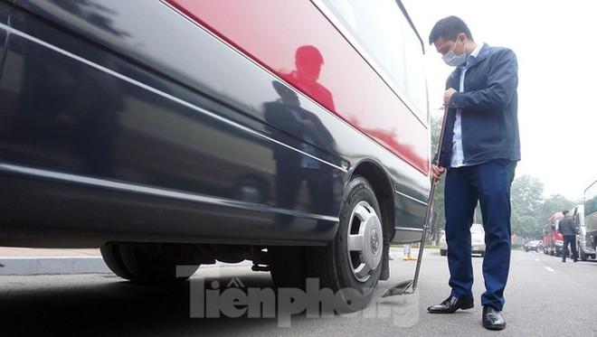 Cảnh khuyển tham gia rà soát xe phục vụ Đại hội XIII - Ảnh 12.