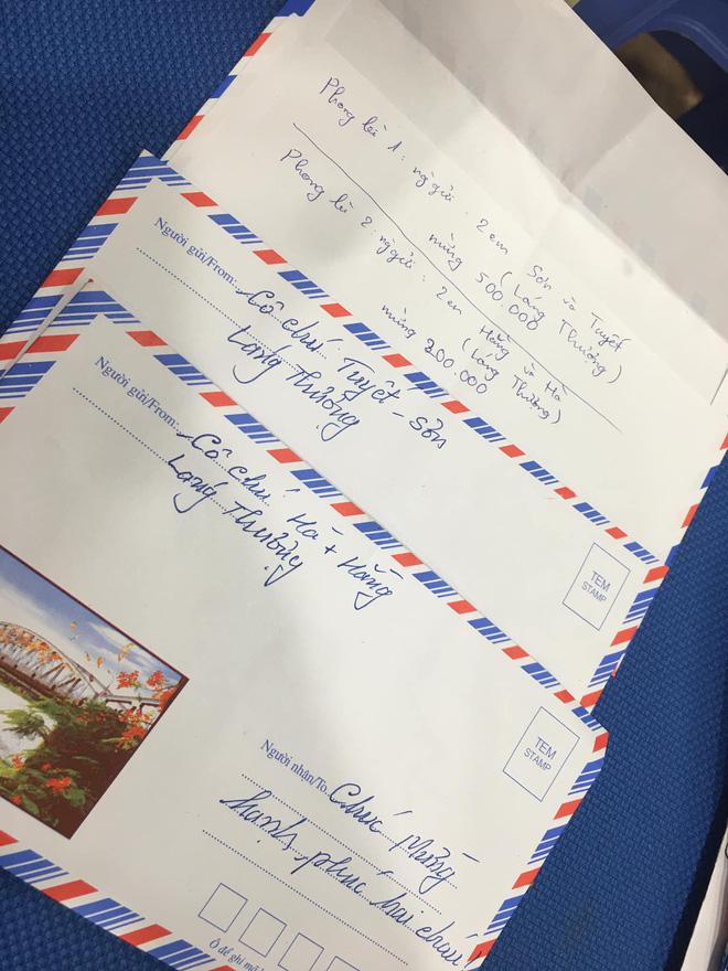 Khách nhà bên gửi nhầm 2 phong bì, cô dâu trả ngay trong đêm liền nhận tin nhắn bất ngờ - Ảnh 1.