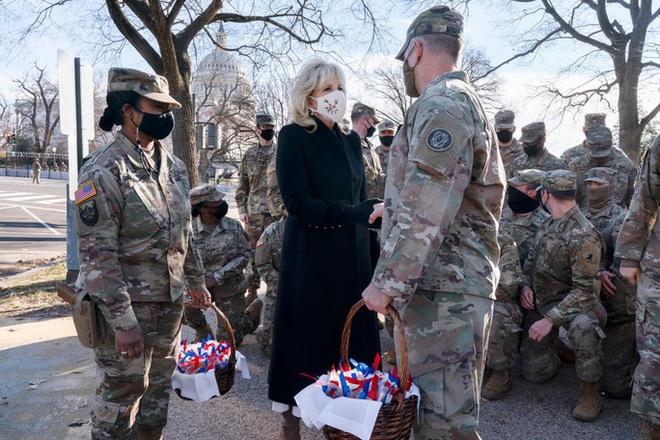 Bảo vệ lễ nhậm chức, hàng trăm Vệ binh Quốc gia mắc Covid-19  - Ảnh 2.