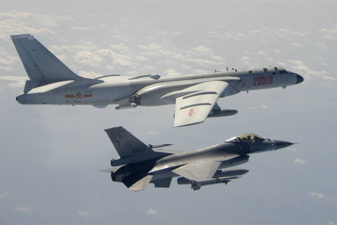 NÓNG: Tuyên bố 13 chiến đấu cơ Trung Quốc đồng loạt xâm nhập, PK-KQ Đài Loan báo động đỏ - Ảnh 1.