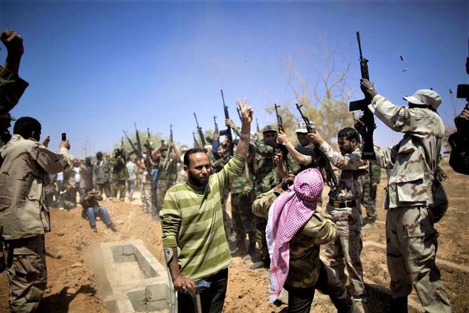 Nhà lãnh đạo Lybia Gaddafi từng muốn trả bao nhiêu để có vũ khí nguyên tử? - ảnh 4