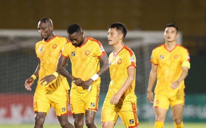 Sau chiến tích khó tin, Nam Định lại tạo ra kịch bản nghẹt thở ở V.League